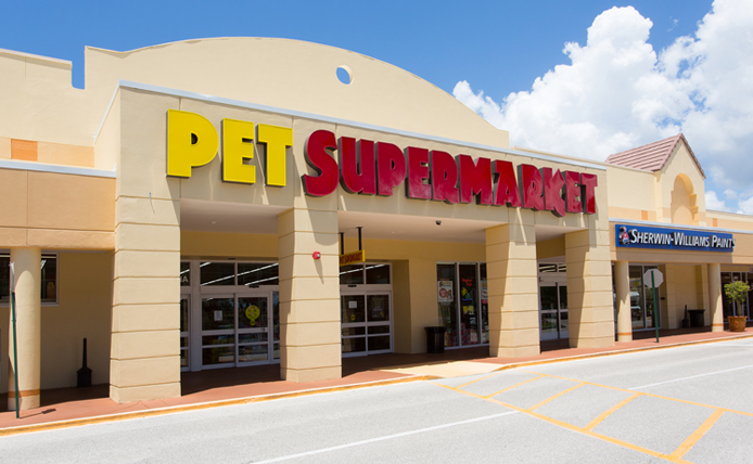 Pet Supermarket storefront in Brixmor retail shopping center